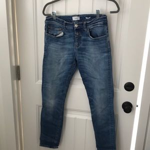 Closed jeans!